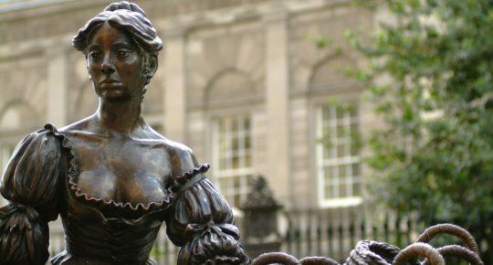 Molly Malone Statue, Lower Grafton Street,